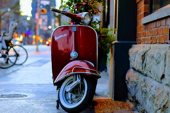Assurance scooter : stop au diktat des grandes compagnies